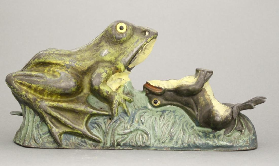 Two Frogs Bank