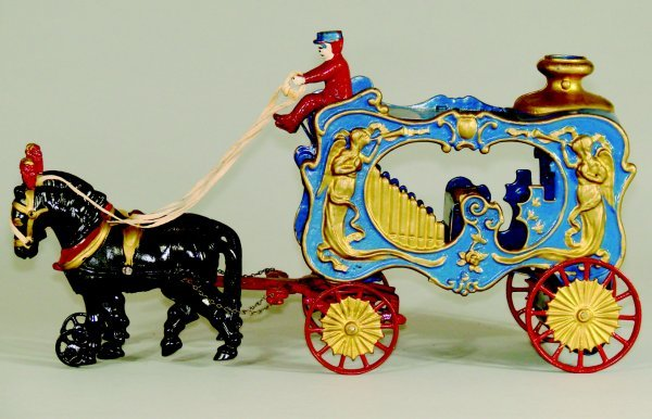 1: Royal Circus Calliope Deluxe Plumed Horses HUBLEY