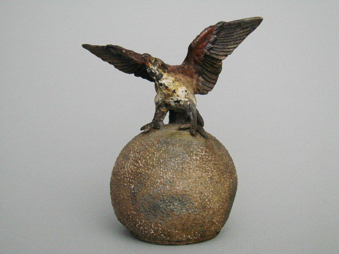 16: Eagle atop Globe
