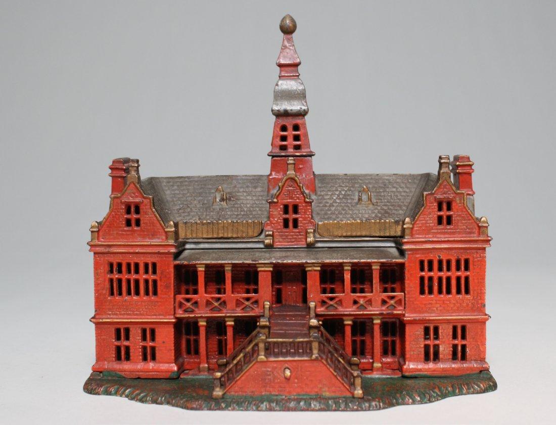 Palace Bank, Red