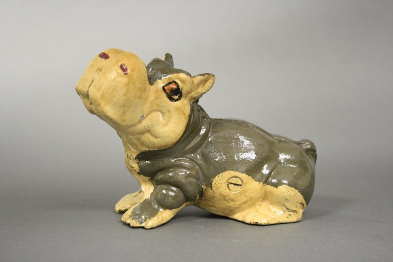 Hippo Seated