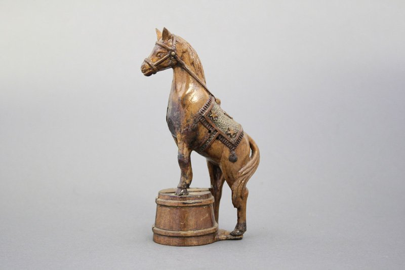 Horse on Tub - Wood Pattern