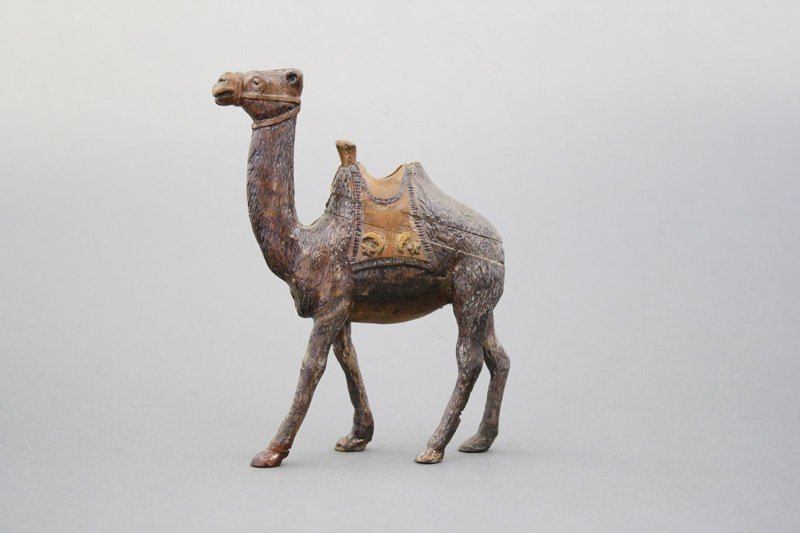 Small Camel - Wood Pattern
