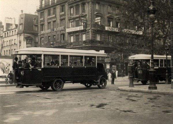 Paris Buses. c1920