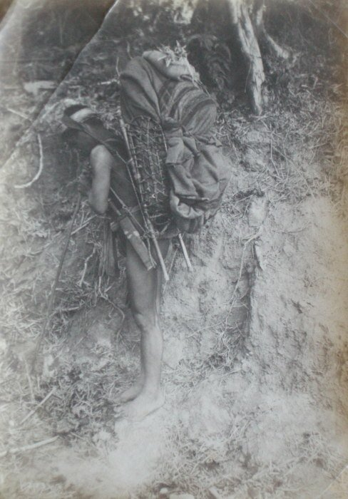 Philippines - A Packer. c1900