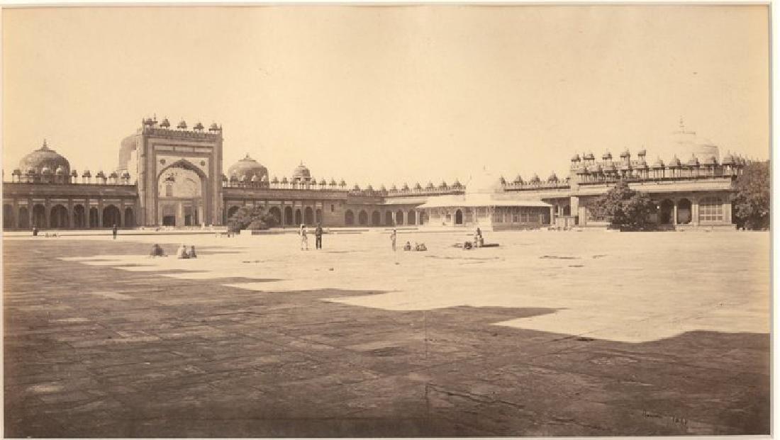 Futtypore Sikri - Interior of the Great Quadrangle.