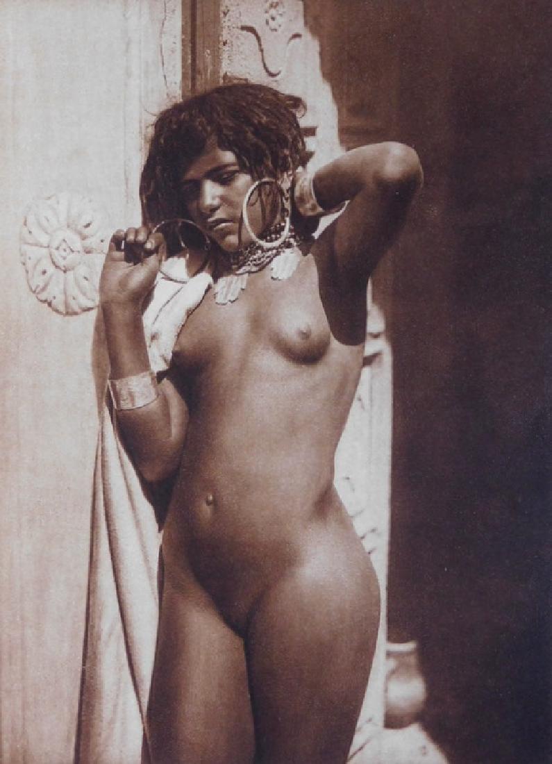 Ethnic erotic nudes