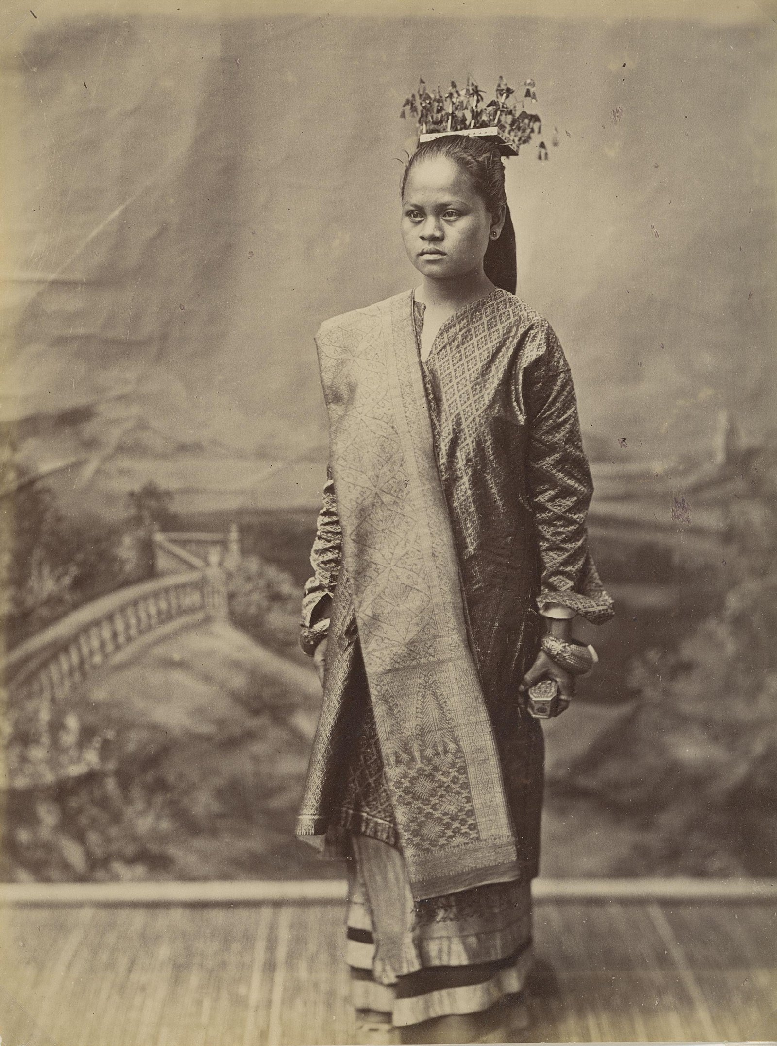 Wealthy Beauty from Indonesia, c187