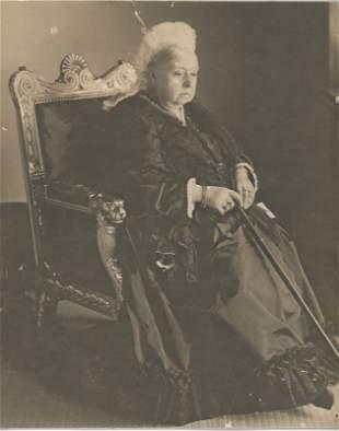 An elderly Queen Victoria, c1900.