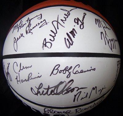 1022: NCAA Basketball Coaches Signed Ball 21 Sigs GAI