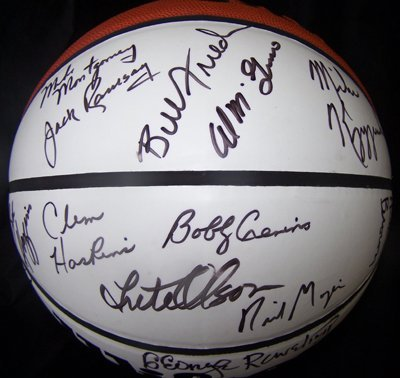 1022: NCAA Basketball Coaches Signed Ball 21 Sigs GAI
