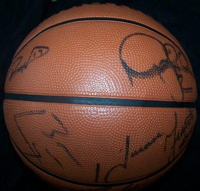 1123: 03-04 Lakers Signed Basketball Shaq Kobe GAI - 3