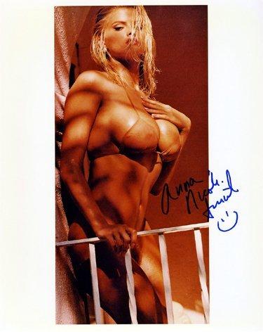 11: Anna Nicole Smith In-Person Signed 8 x 10 Photo