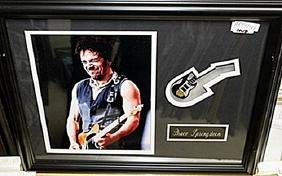 Bruce Springsteen & guitar AR5739