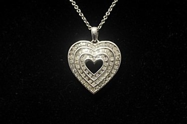 Gorgeous Double Sided Heart Black & White Diamonds - 3