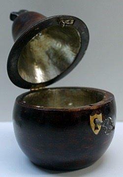 Hand Carved Antique Dark Wood Pear Lockbox w/Key - 4