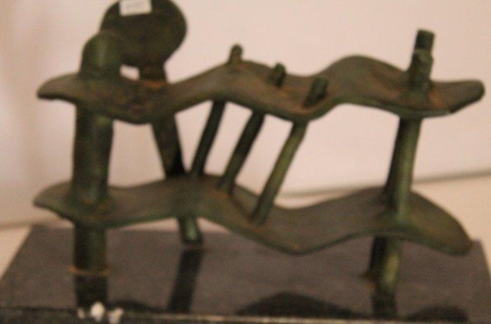 Patina Bronze Sculpture - Alberto Giacometti