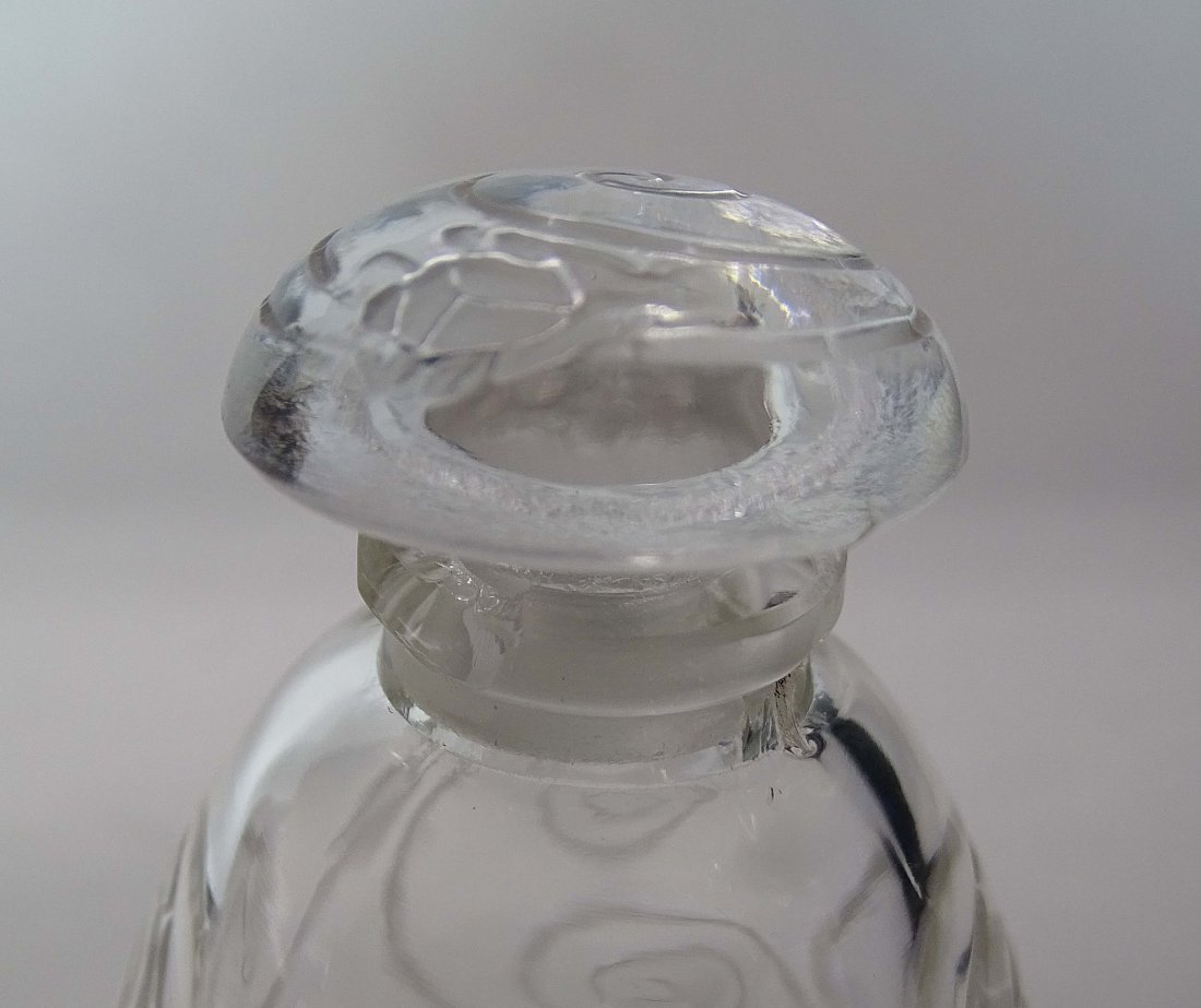 Rare Lalique Crystal Perfumer Capricornes 1912 - 5