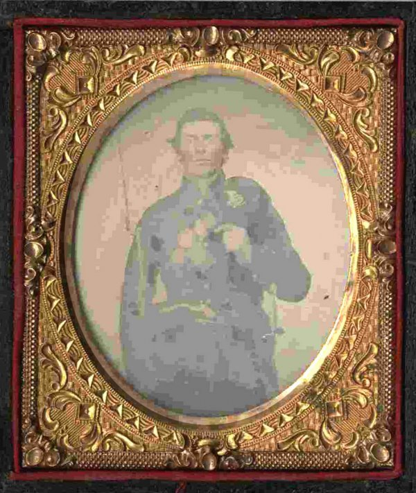 1122: Civil War Ambrotype Armed Union Soldier Pic