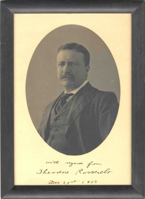 1588: Signed Inscribed Photo Theodore Roosevelt Preside