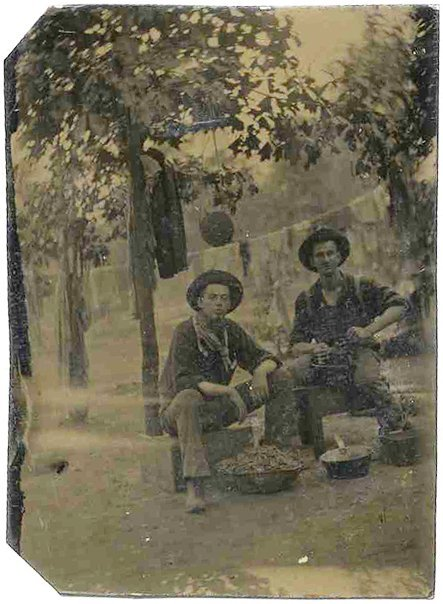 2270: Civil War Tintype Soldiers Photograph Picture