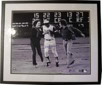 343: Hank Aaron Signed Photo 715th Homerun Baseball Rar
