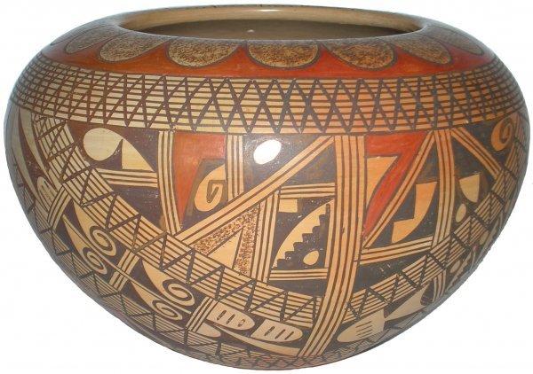 905: Rondina Huma Hopi-Tewa Vase Indian Native American
