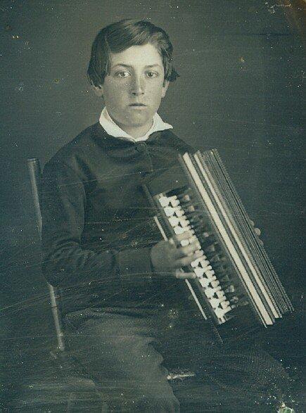 1913: Daguerrotype Flutina Accordion Boy Quarter Plate