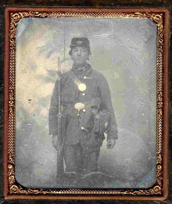1916: Civil War Soldier Tintype Armed Union Bayonet Rif