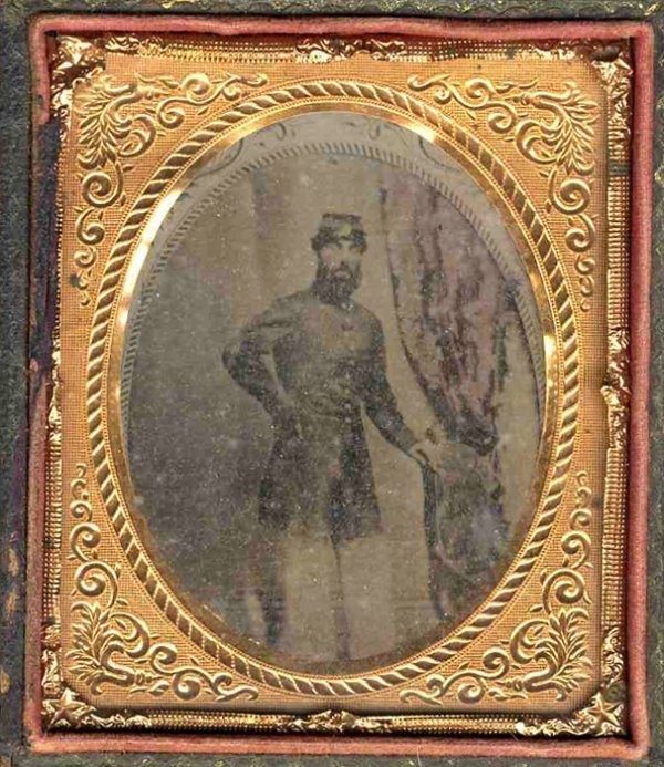 Rare Civil War Tintype Photo Uniformed Union Soldier CW