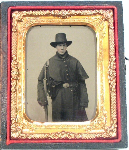 Civil War Tintype Soldier Armed Photo Bayonet Tin Pic