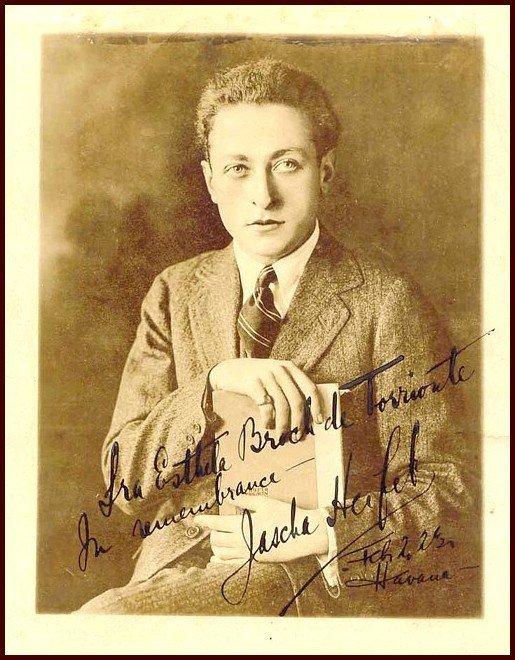 22: Autographed Photo Violinist Jascha Heifetz Signatur