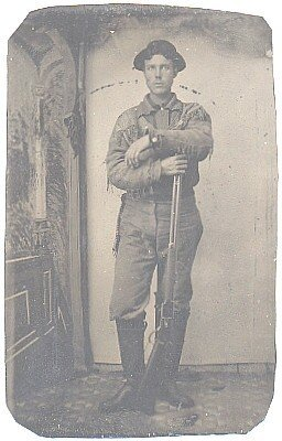 392: Fourth Plate Tintype Frontiersman Rifle Pic