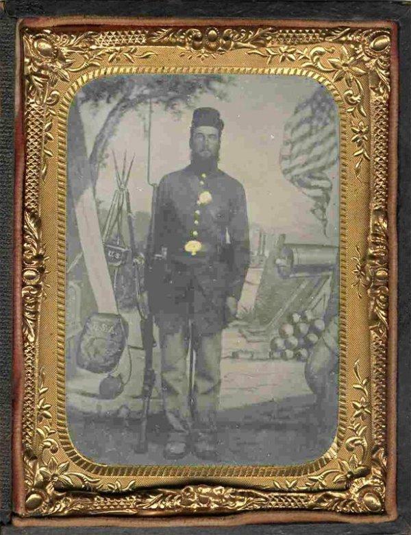 1772: Civil War Quarter-Plate Tintype Armed Soldier Ful