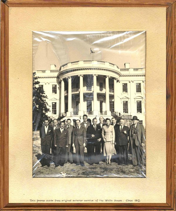 519: White House Picture Frame 1812 Wood