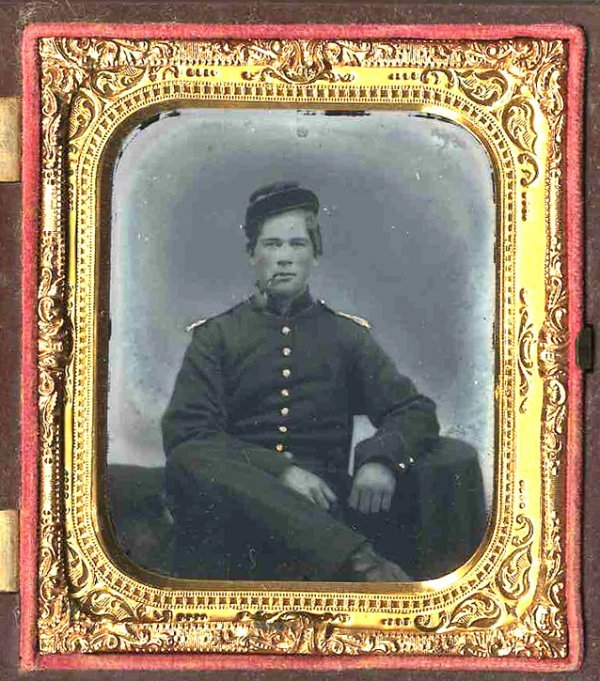 1817: Civil War Ambrotype Union Officer Photograph