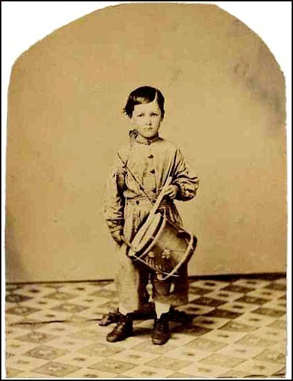 2306: Civil War CDV Drummer Boy Photograph Photo