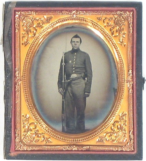 1795: Civil War Ambrotype Soldier Musket Photo