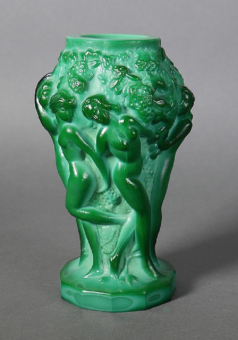 Fine Nude Green Malachite Art Glass Cabinet Vase