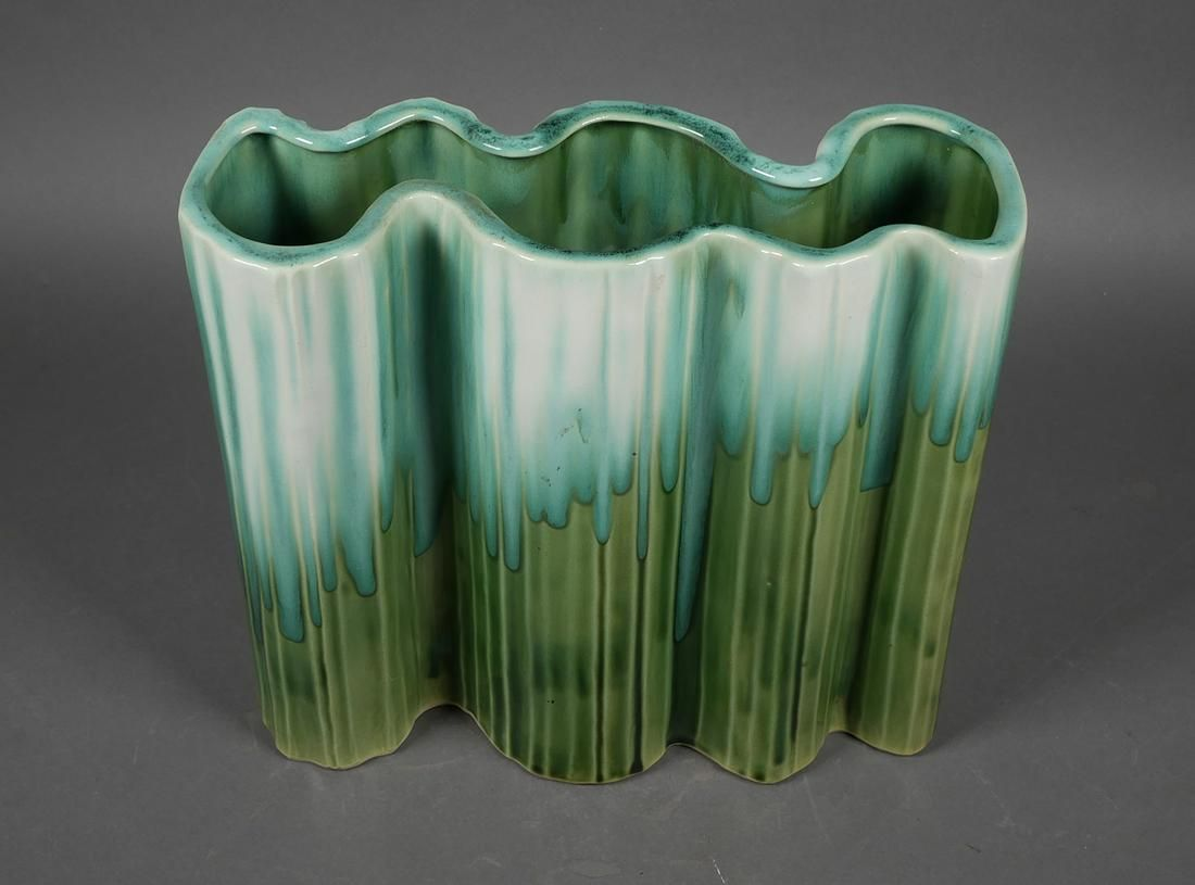 ROYAL HICKMAN #613 Art Pottery Flower Vase