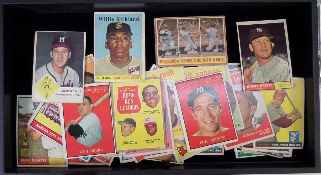 Lot of 1950s-60s baseball cards