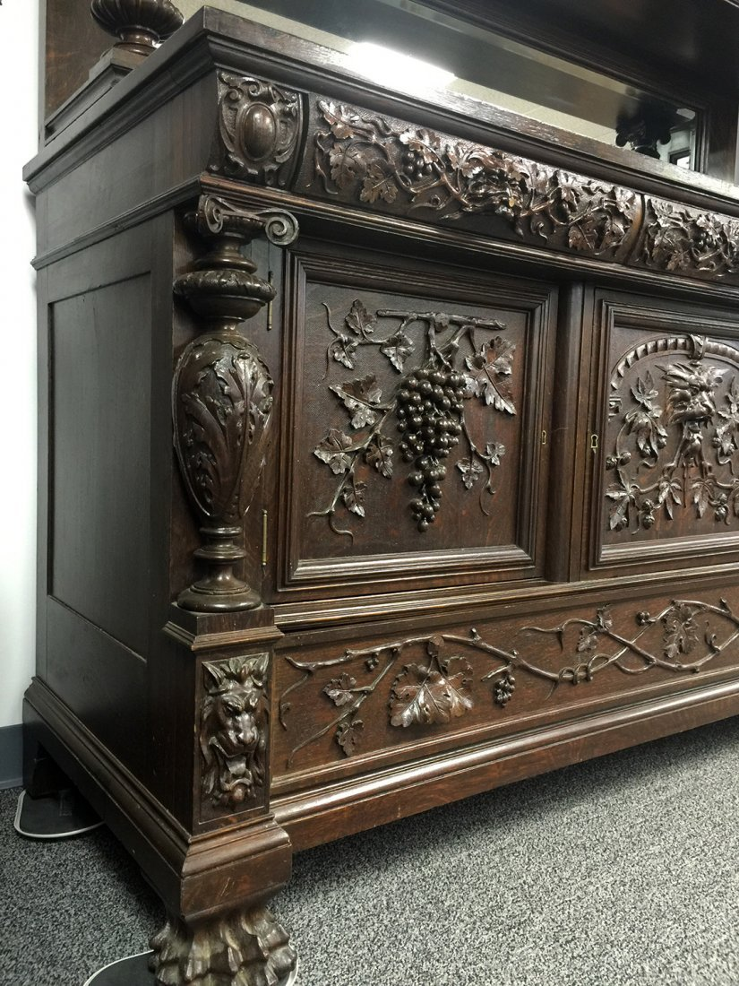 RJ HORNER Carved Grapes & Lions SIDEBOARD - 8