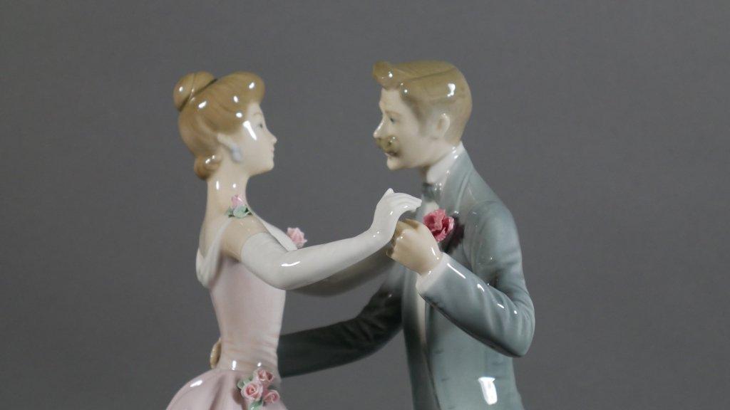 "LLADRO The Dancing Couple 12"" Figurine - 2"