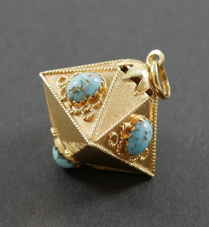 Edwardian 18k Yellow Gold Turquoise Pendant