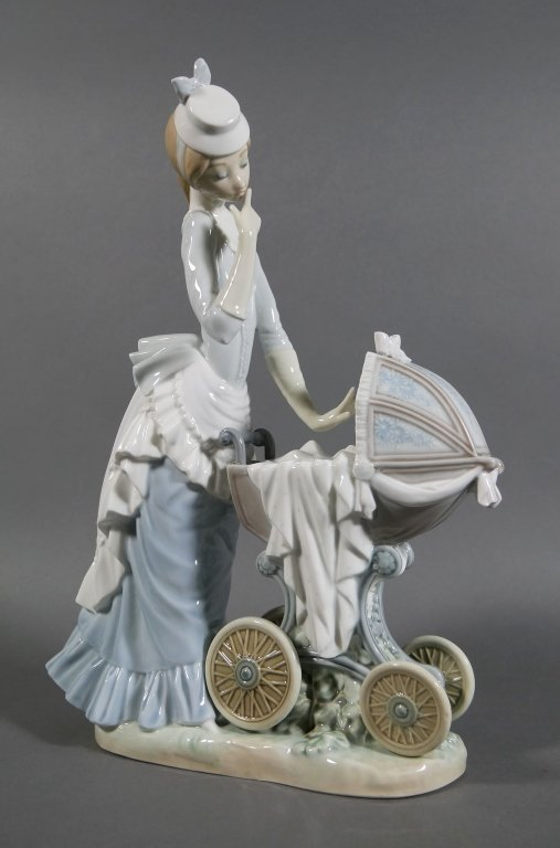 """LLADRO Baby's Outing 13"""" Retired Figurine"""