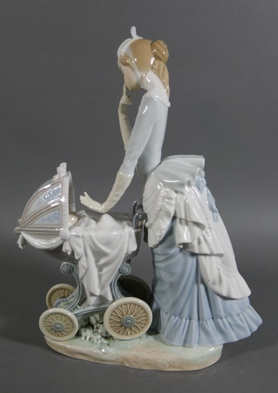 """LLADRO Baby's Outing 13"""" Retired Figurine - 2"""