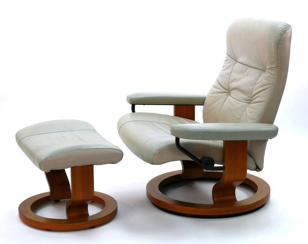 Ekornes STRESSLESS Lounge Chair & Ottoman