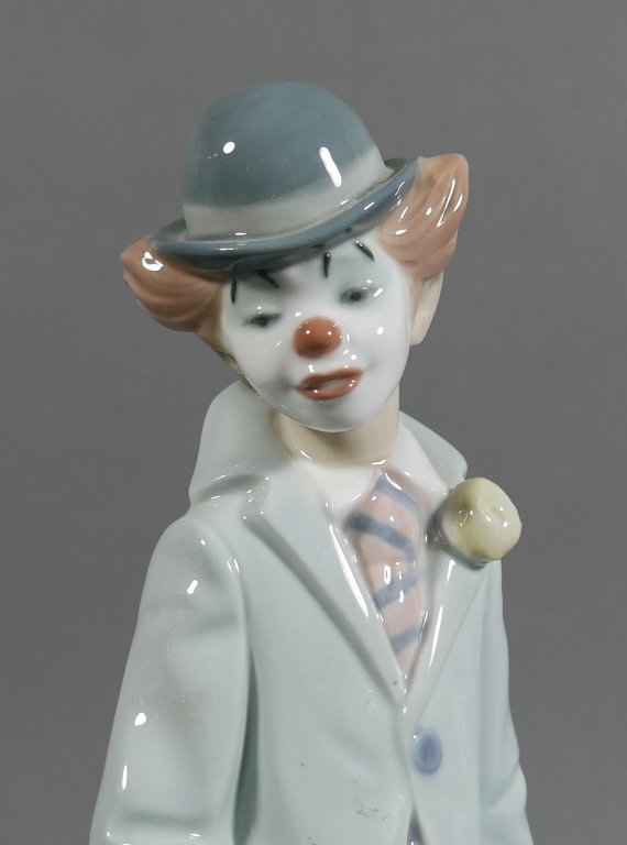 Lladro CIRCUS SAM Clown with Violin Figurine - 2