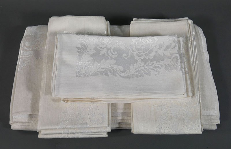 Tray lot of Damask Linens