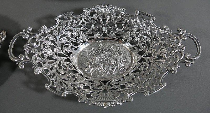 6 Piece Lot of Silverplated Flatware, incl Barker Ellis - 6